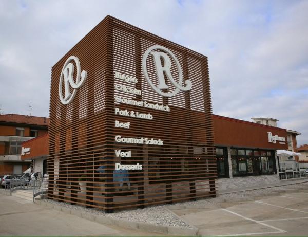 Roadhouse, bistecca da 100 milioni