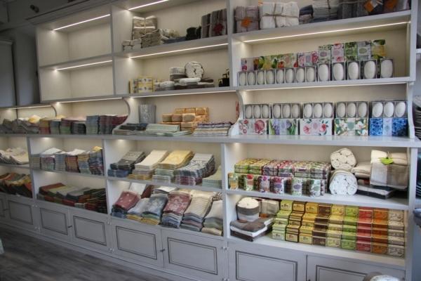 Vino e artigianato nel retail di Toscana Lovers