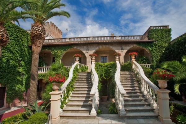 Castello Monaci rilancia il Novello e investe nel Primitivo cru