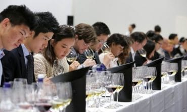 Vinexpo cambia data a Bordeaux e lancia il nuovo evento a Parigi