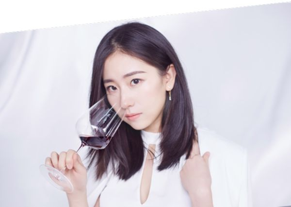 Chi è Lady Penguin, top influencer del vino in Cina