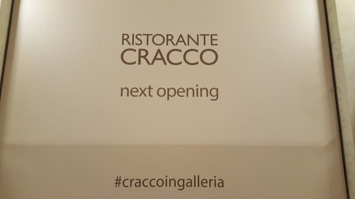 Cracco apre in Galleria per le sfilate