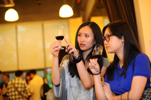 Sorpresa in Cina, i francesi esportano vino al prezzo degli italiani