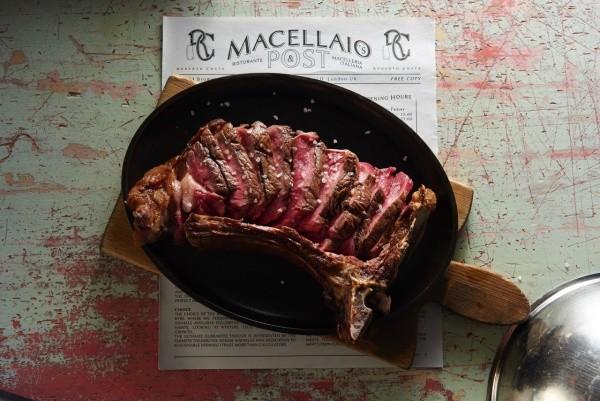 """Macellaio RC, il """"teatro della carne"""" in Brera"""