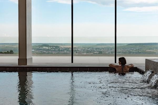 """Apre il luxury hotel dello Champagne, con accesso alle cantine """"chiuse"""""""