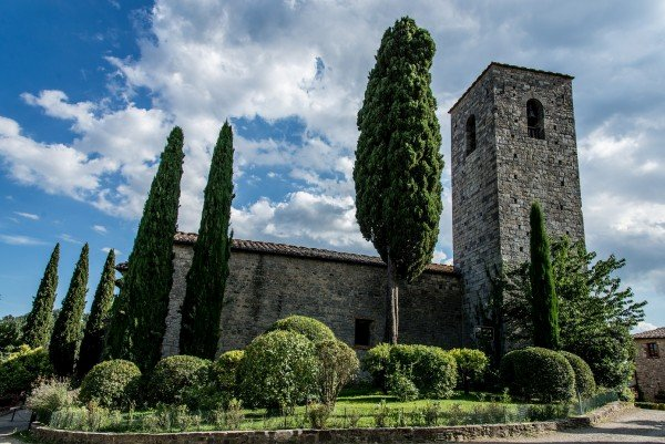 Viticola Toscana restaura un'antica pieve in Chianti