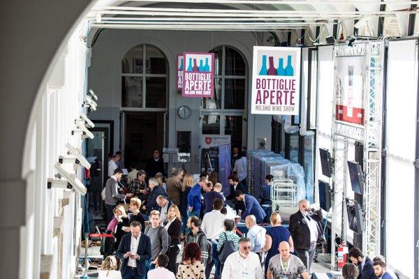 Milano Wine Week, si parte con un brindisi da tremila calici
