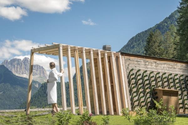 Qc Terme con Ferrari crea la sauna ispirata a una cantina