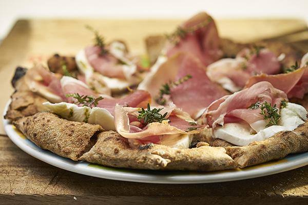La pizza è lusso accessibile e si moltiplicano le catene italiane