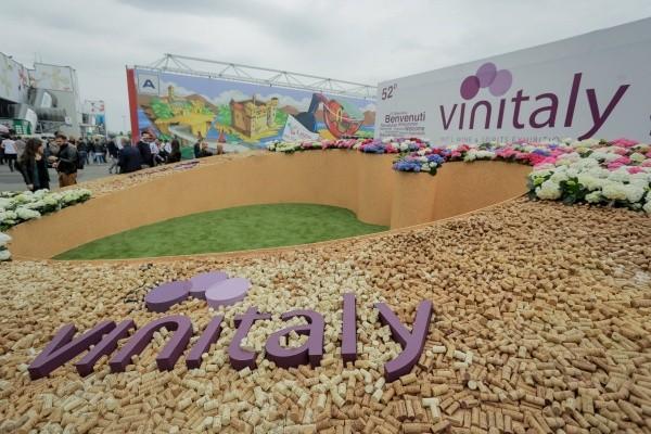 Pronti per Vinitaly. E Vinitaly è pronto per la Cina