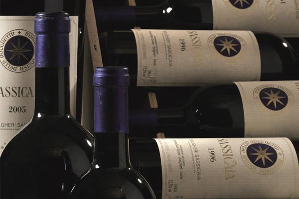 Sassicaia vince ancora, il suo 2016 è il miglior vino d'Italia