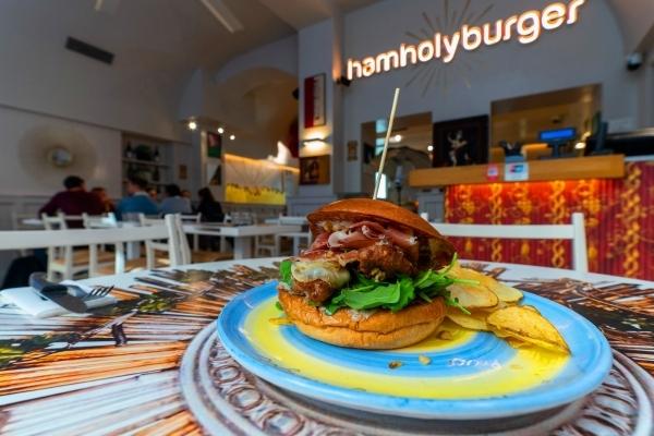 Sebeto vende Ham Holy Burger ai fondatori