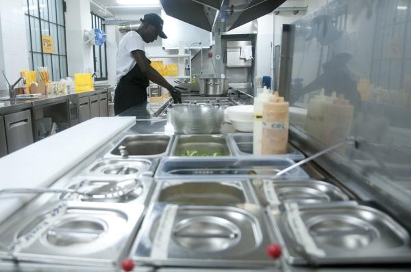 Glovo apre a Milano la prima dark kitchen