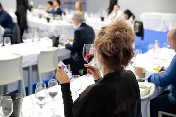 Vino italiano, crescita interrotta a marzo
