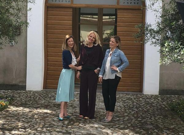 """Il wine bar nato da Instagram per le """"Cotarella Sisters"""""""