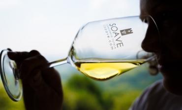 Soave con Santorini per la promozione dei vini vulcanici