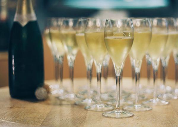 Champagne, 51,5 milioni di bottiglie in meno