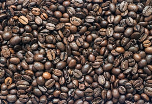 Caffè a terra, -40% per le torrefazioni